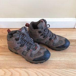Nevada's Boomerang 11 Mid hiking boots
